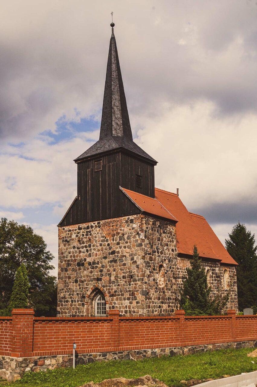 Die Kirche von Metzelthin. Klein aber oho.