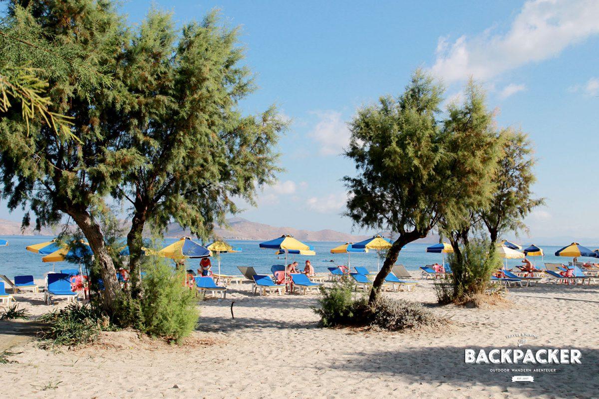 Der Strand von Marmari bietet den schönsten, weil feinsten Sand. Und das bis weit hinein ins Meer.