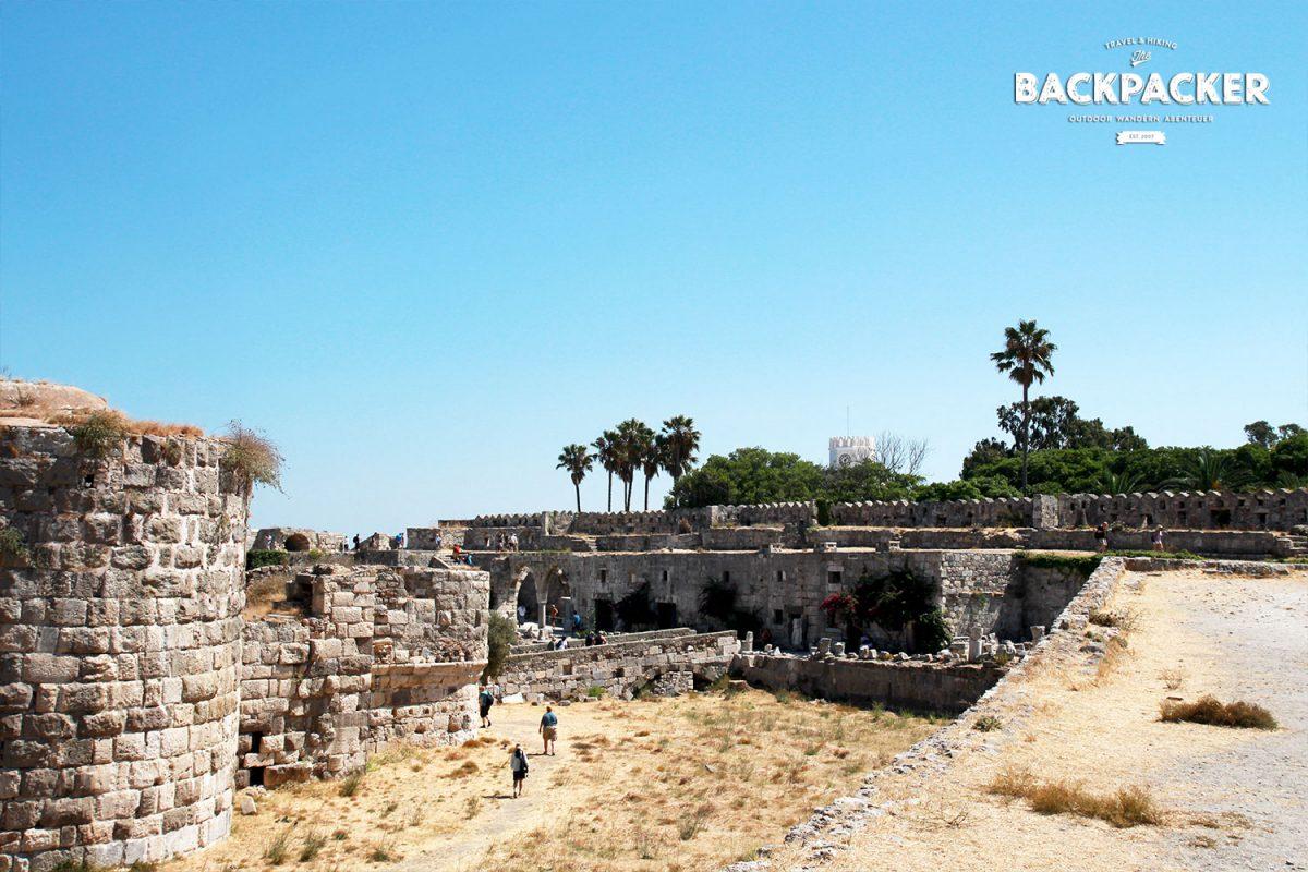 Schritt für Schritt erläuft sich der geneigte Besucher ein Stück griechischer Geschichte.