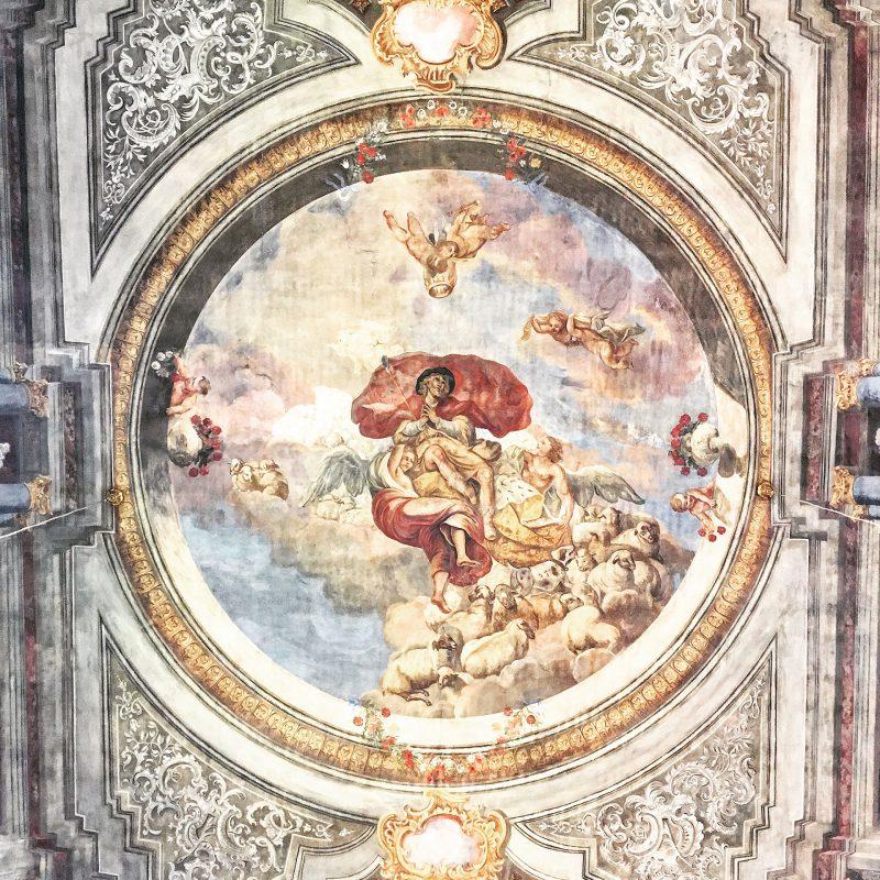 In der Mönchberger Kirche St. Johannes der Täufer erblüht die Renaissance in bunten Farben.