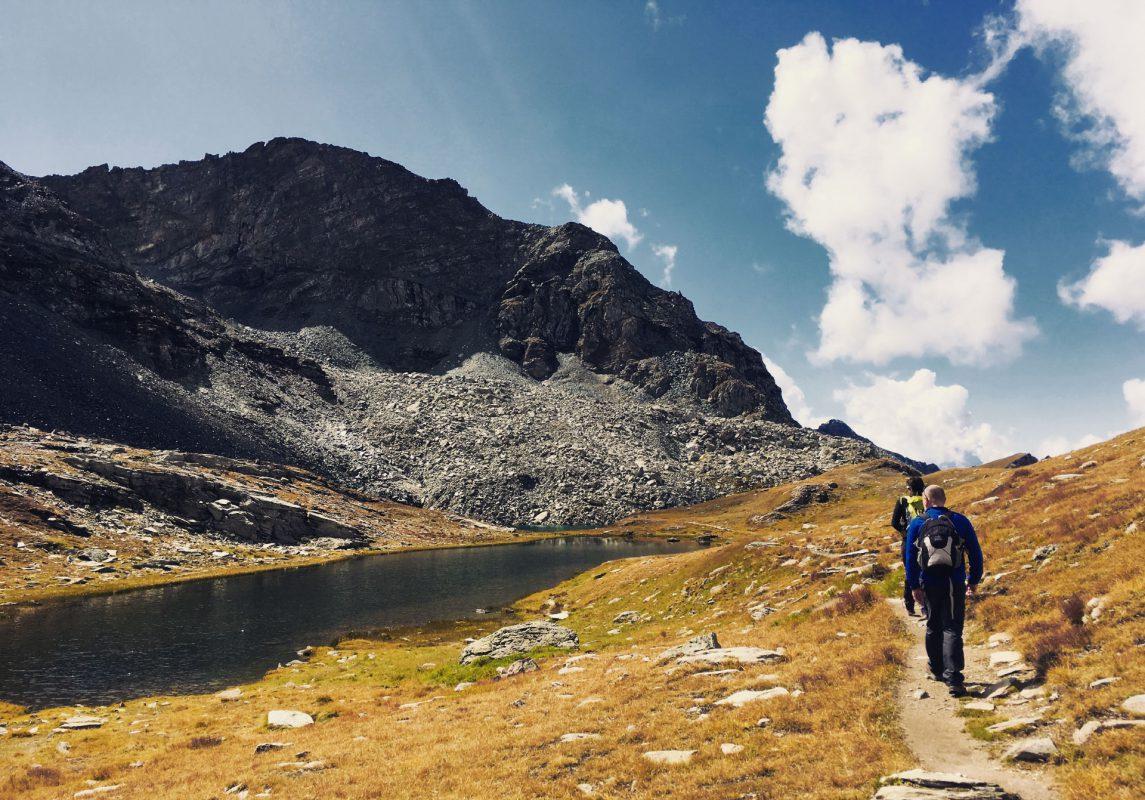 Am Colle Pinter in 2.777 Metern Höhe lässt es sich vortrefflich chillen. Und wandern.
