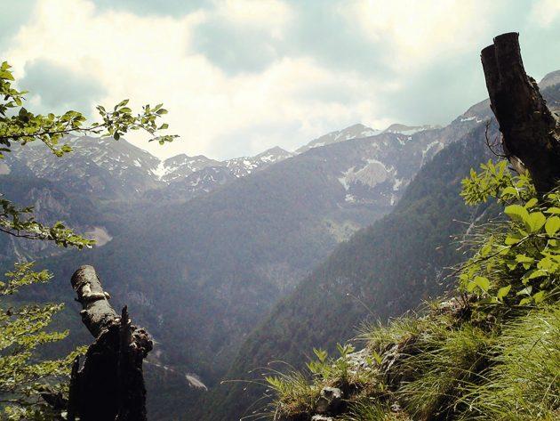 Die umliegenden Berge der Julischen Alpen.