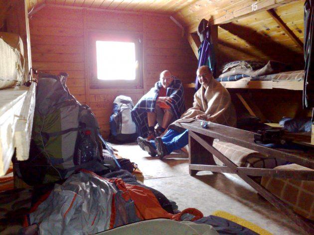 Drinnen im Winterlager ist es nicht wirklich wärmer als davor.