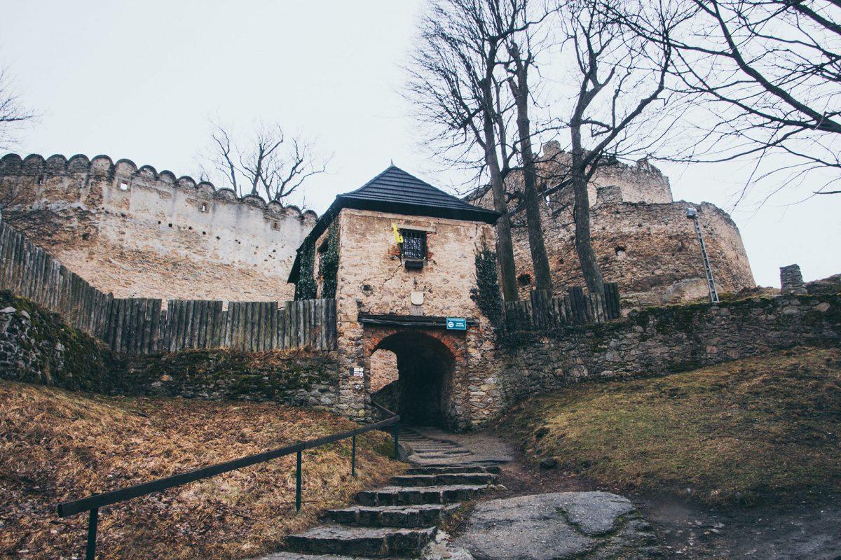 Ritterliche Gemäuer laden ein und verführen ins 13. Jahrhundert