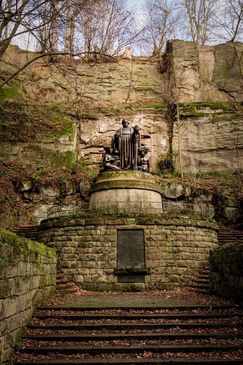 Richard Guhr, seines Zeichens Maler, Bildhauer und Wagner-Fan, schuf 1912 diese Bronzeskulptur