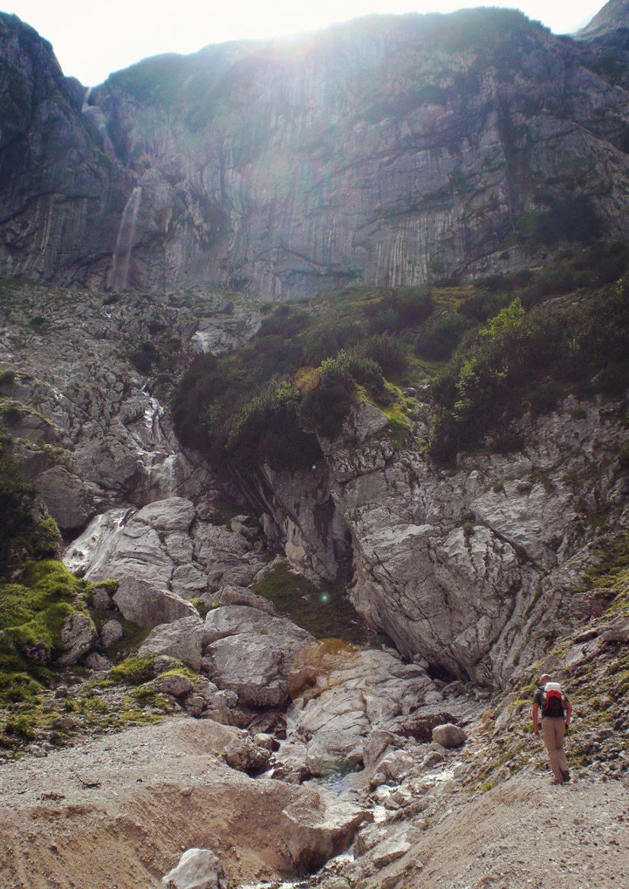Auf dem Weg zum Ende des Höllentals. Ab hier muss Berggestiegen werden.