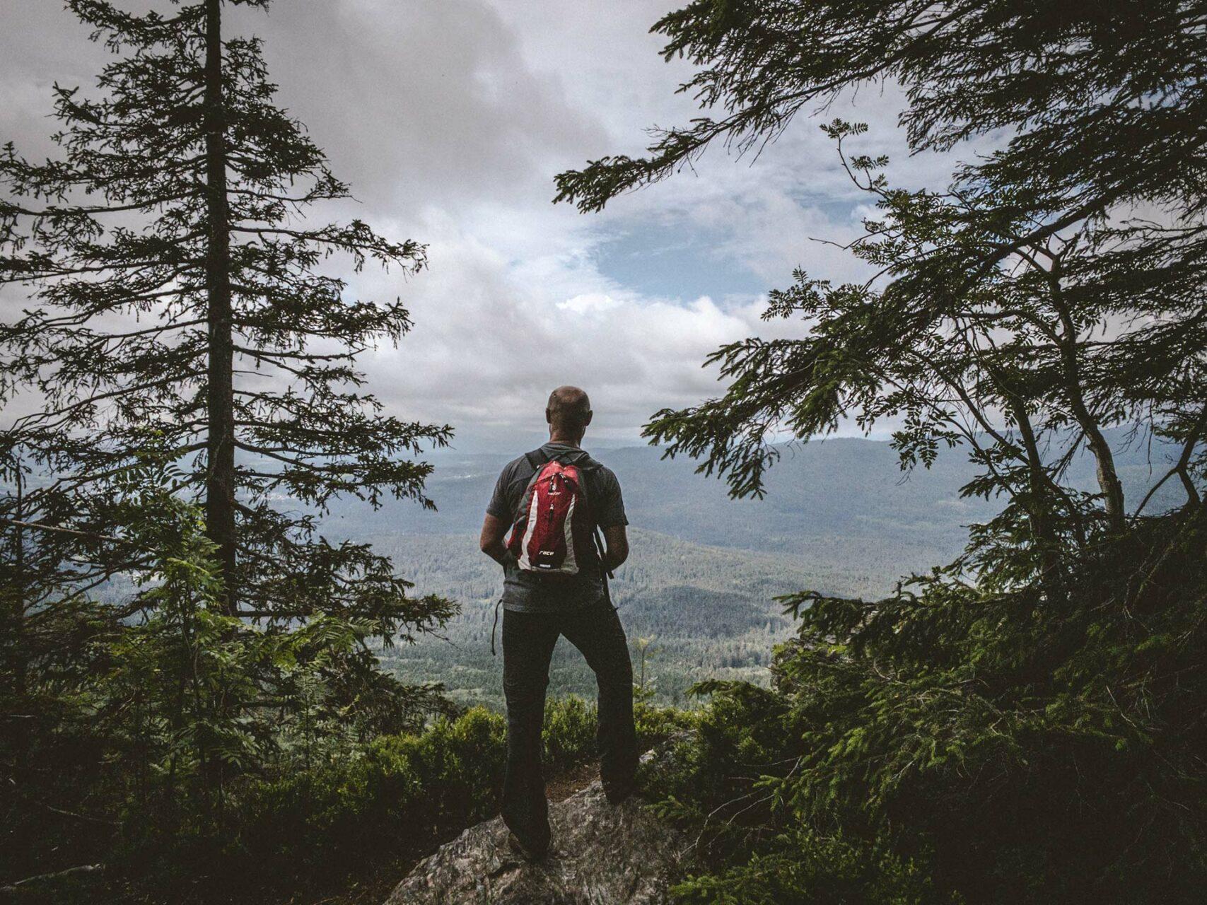 Erste kurze Rast direkt vor dem Gipfel des Kleinen Falkensteins