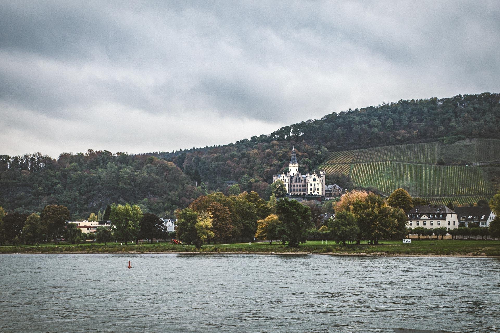 Blick von Bad Breisig über den Rhein