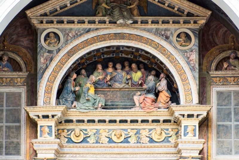Über der Vorhalle der Kathedrale von Aosta aus dem 16. Jahrhundert thronen neoklassizistische Fresken.
