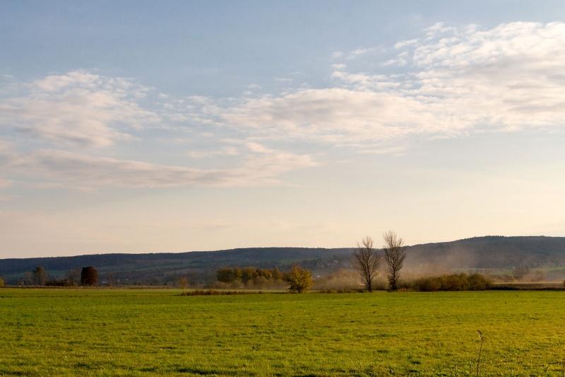 Sanfte Hügel umschließen das Unstrut-Tal und sorgen somit für ein besonderes Mikroklima