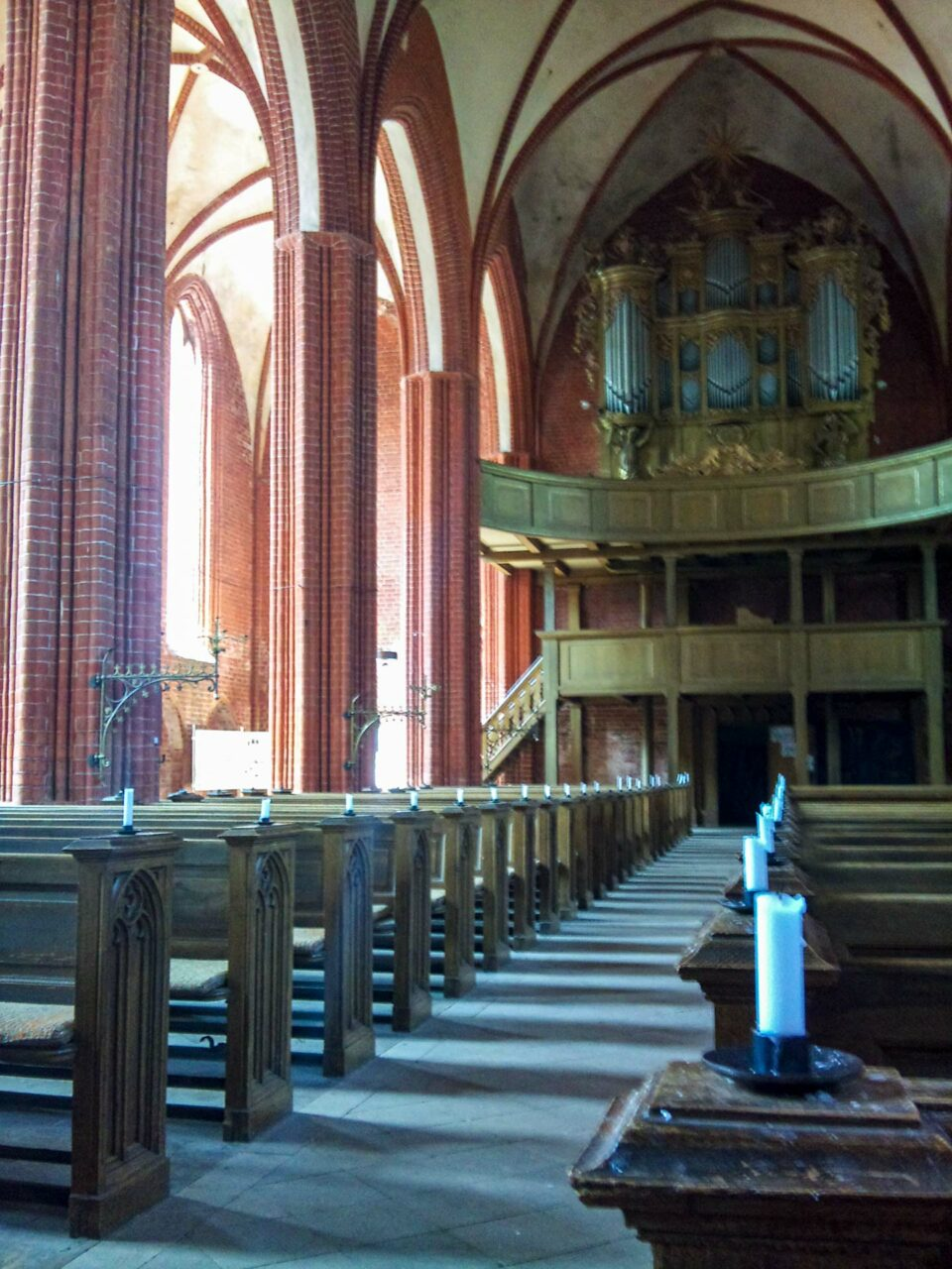 400 Seelen finden hier Platz. Zu den nicht regelmäßig stattfindenden Gottesdiensten kommen heute jedoch nur noch ein Dutzend.