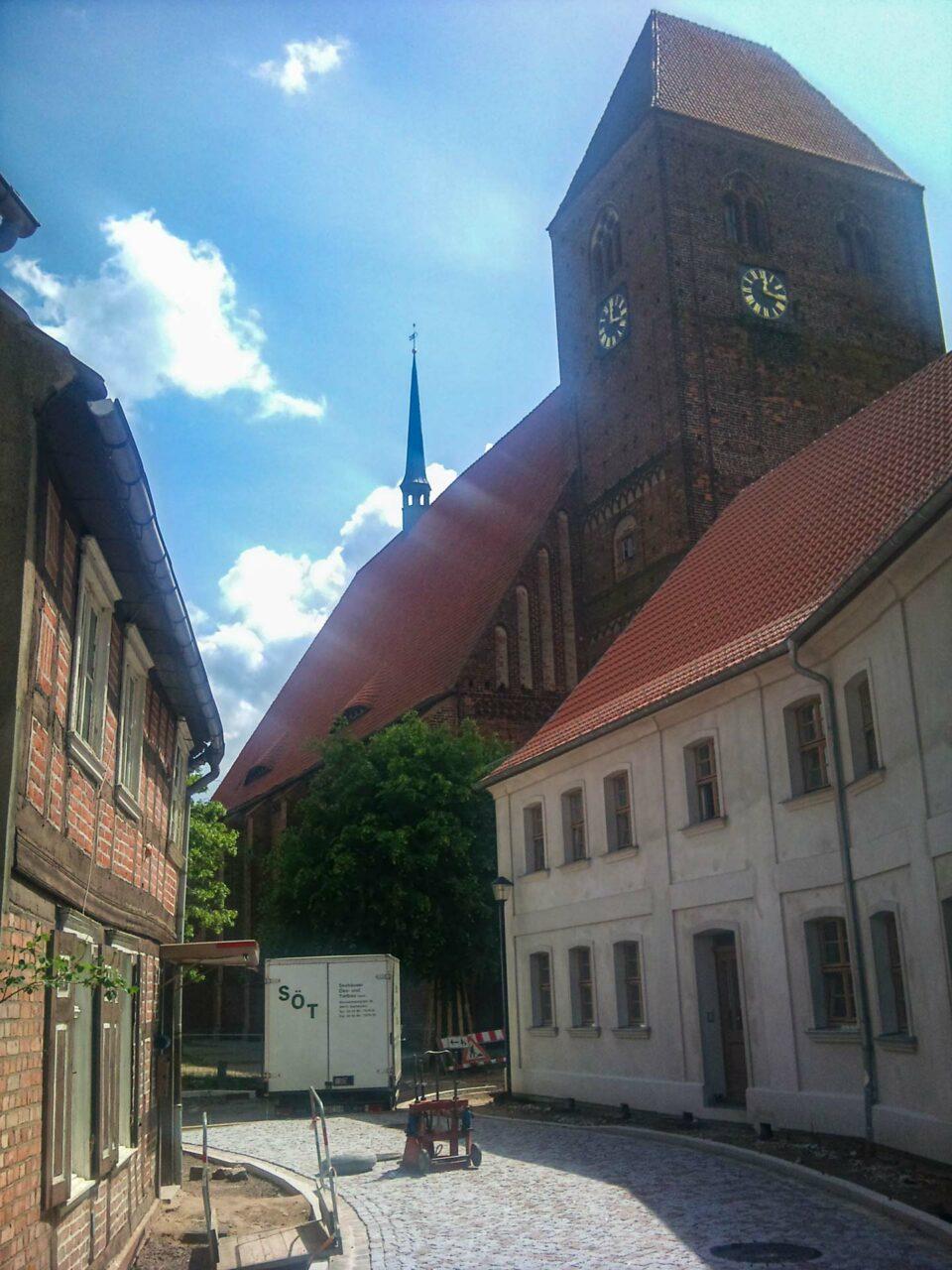 Mächtig gewaltig Egon. Die St. Johanniskirche von Werben (Elbe).