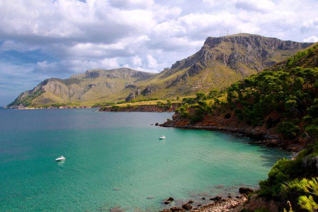 Nur der Kenner weiß auch noch verschwiegene Buchten auf Mallorca die dem Massentourismus bisher verborgen blieben.