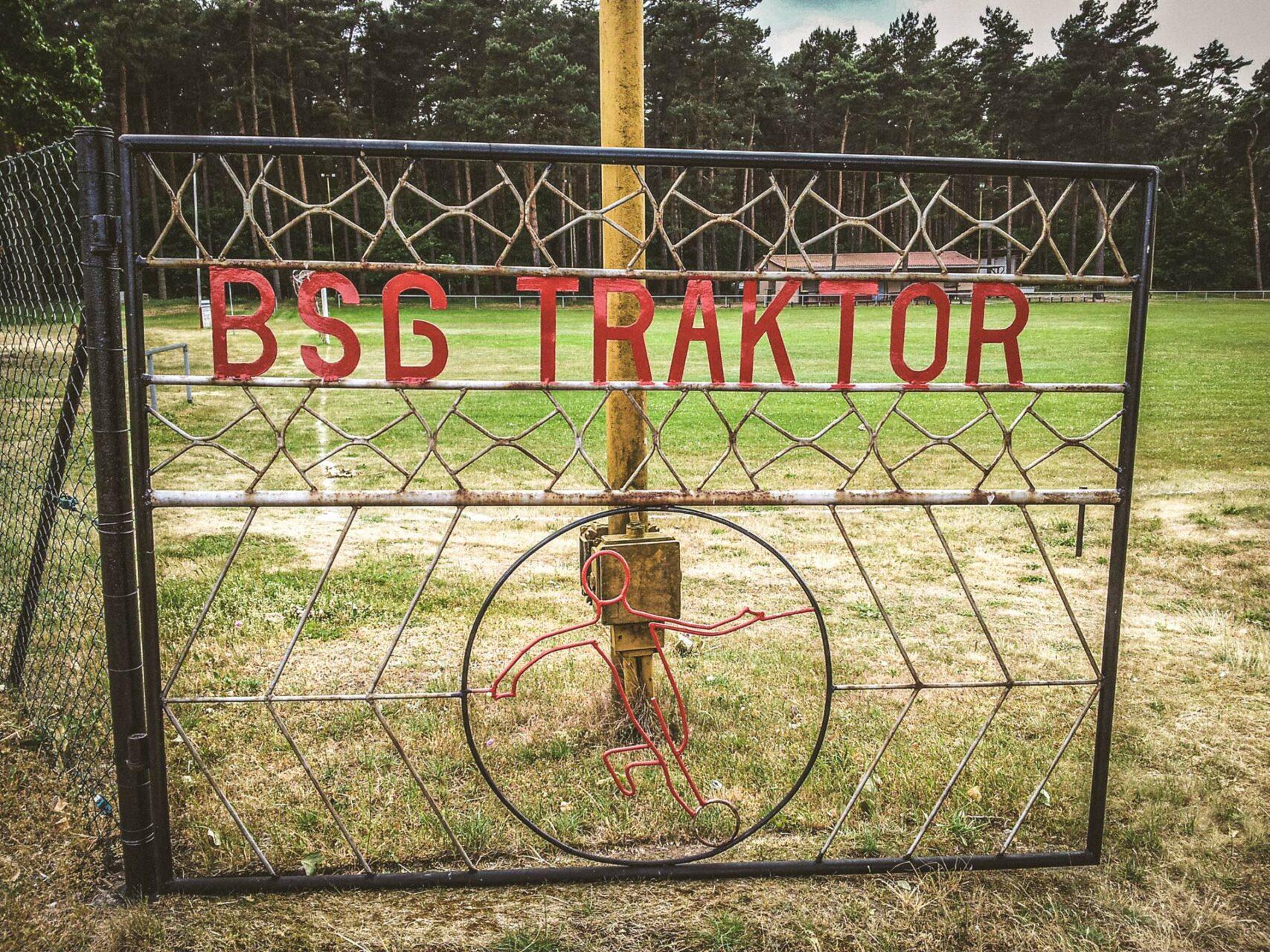 Die ganze Tradition Uetzer Sportkultur ist hier zu bewundern. Und das bei gerade mal 200 Einwohnern. Nicht schlecht.