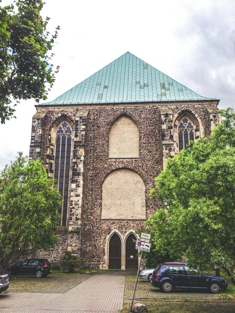 Die Wallonerkirche gehörte ursprünglich zum Augustinerkloster, welches aber abgerissen wurde.