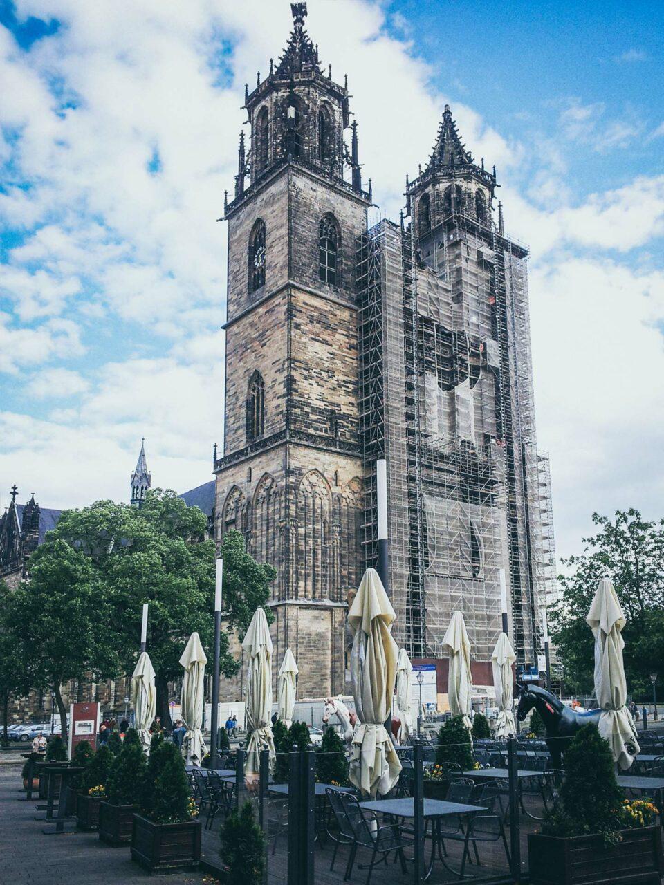 Gebaut für die Ewigkeit: der Magdeburger Dom. Der Kaffee davor hielt dagegen nur zehn Minuten.