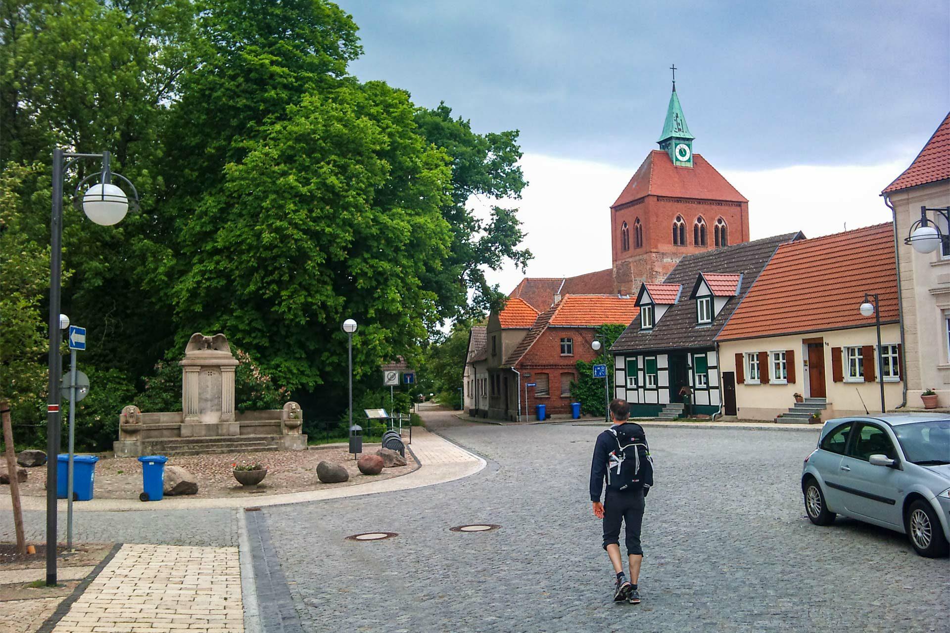 So schaut es also in Arneburg aus. Irgendwie idyllisch, auch wenn hier die letzten Jahre sicher nicht so viel los war wie im Mittelalter.