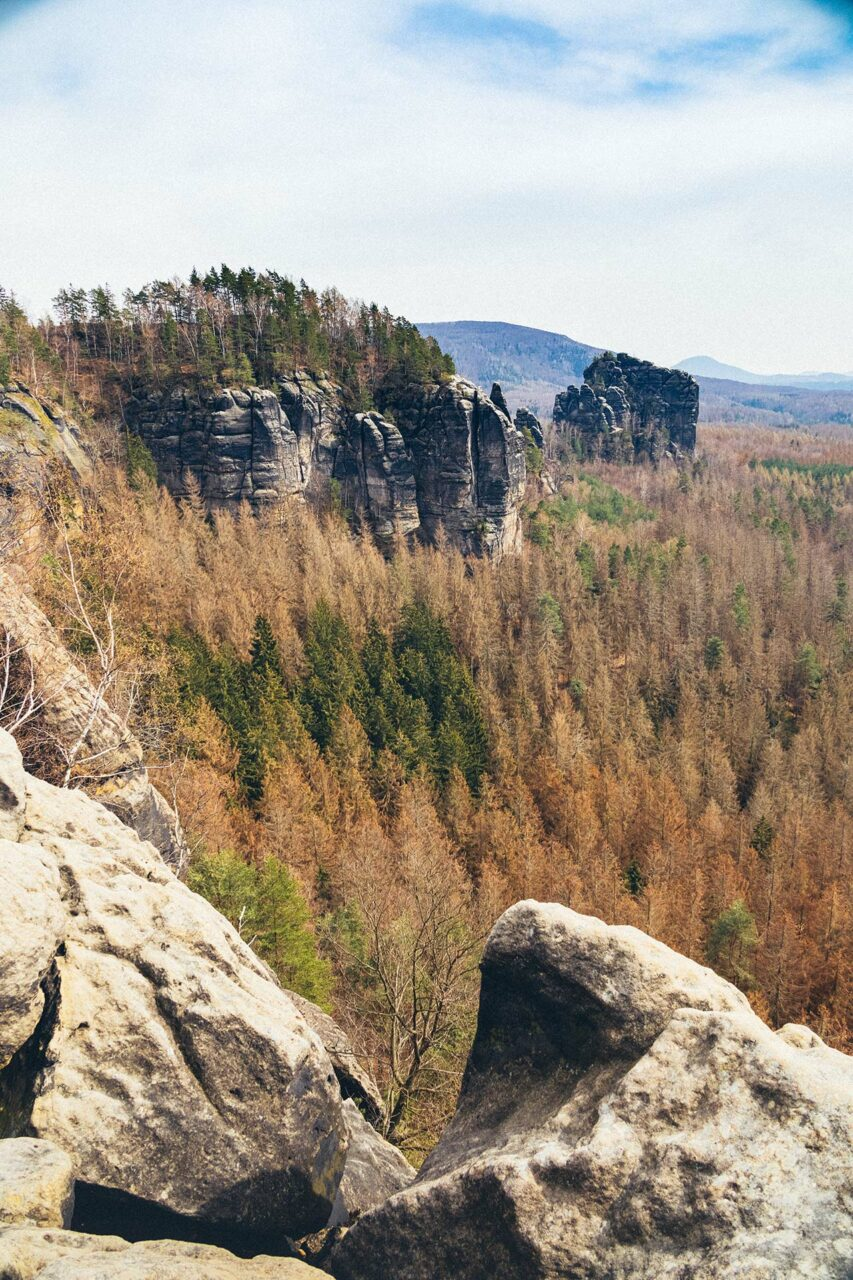Von Bad Schandau wandern zur Aussicht über die Breite Kluft