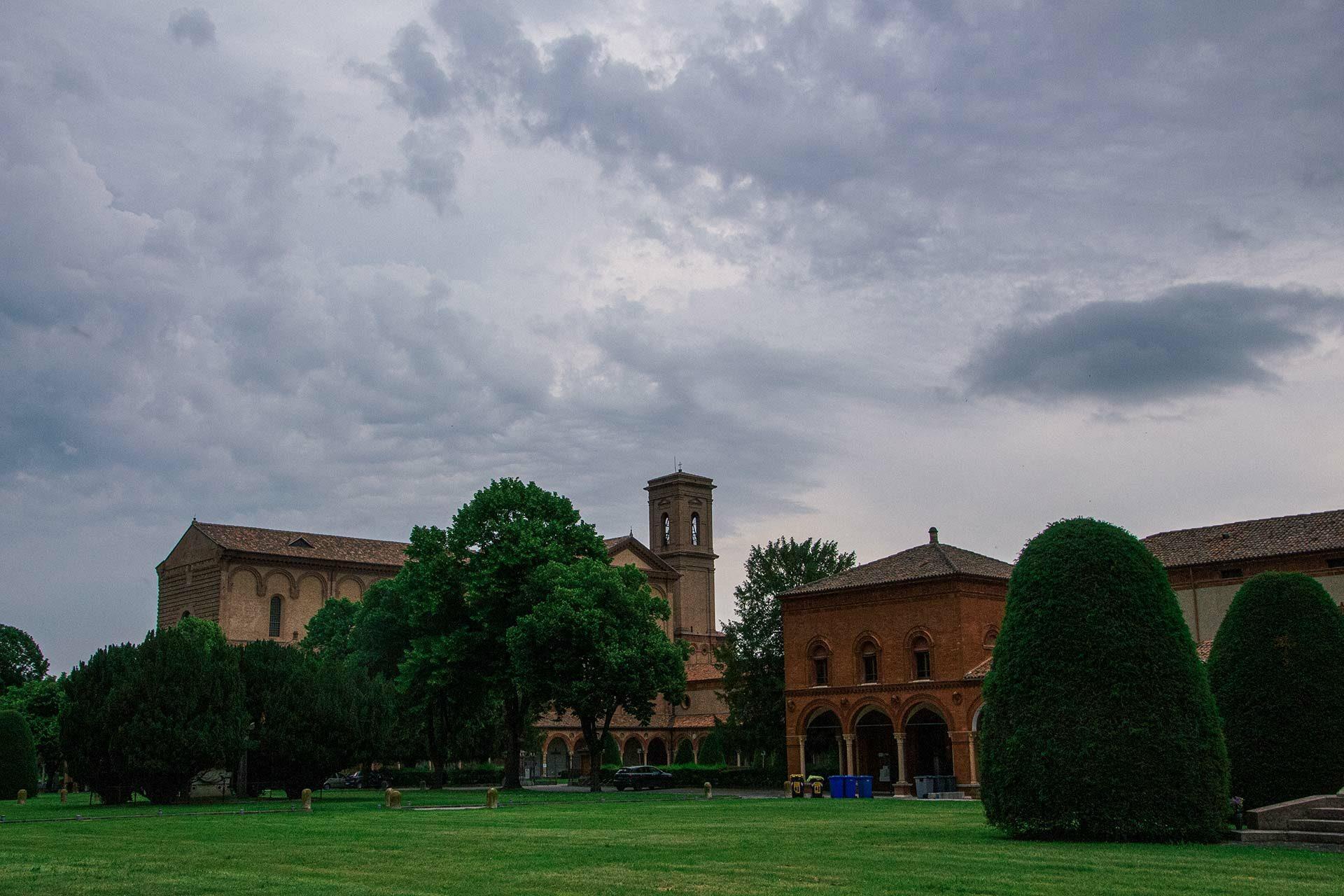 Das ehemalige Kartäuserkloster mit der Kirche San Cristoforo alla Certosa